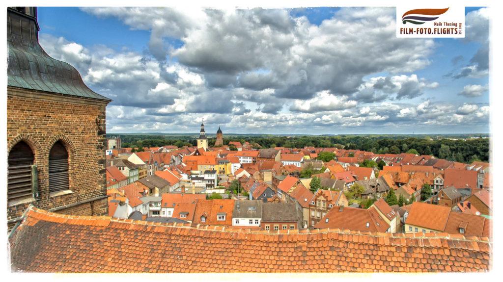luftaufnahme-drohne-gardelegen-marienkirche-stadtkern-panorama-stitch-fotograf-wolfsburg-stendal-salzwedel-sachsen-anhalt-hansestadt-wolfsburg-videograf
